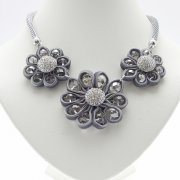 Threee Flower Velvet Crystal & Beads Necklace
